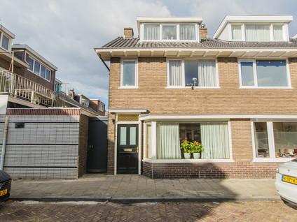 Van Lippe Biesterfeldstraat 1