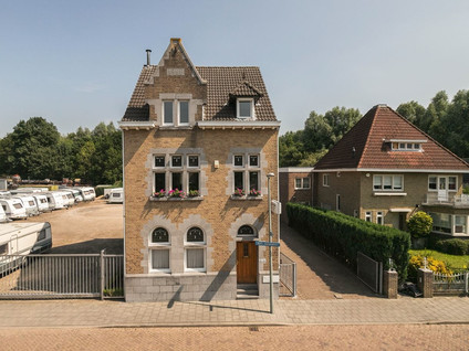 Burg. Slanghenstraat 11